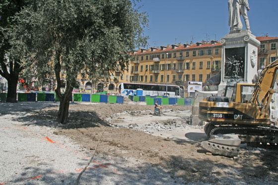 Début des travaux de déplacement de la statue de Garibaldi _00-aa-26-garibaldi