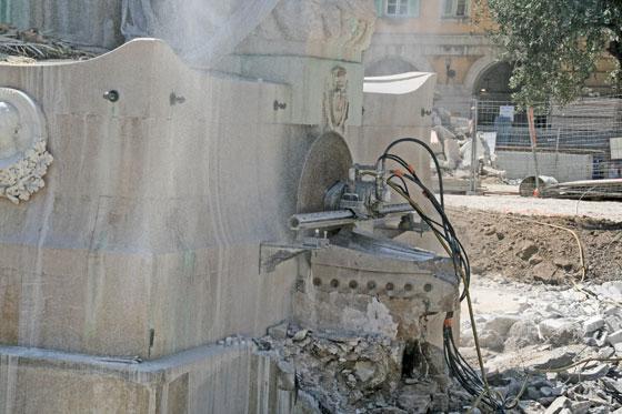 Début des travaux de déplacement de la statue de Garibaldi _00-aa-27-garibaldi
