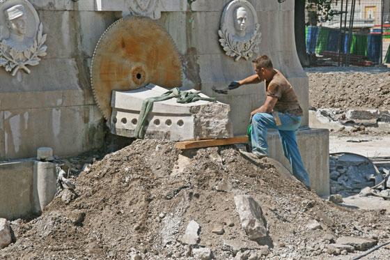 Début des travaux de déplacement de la statue de Garibaldi _00-aa-28-garibaldi