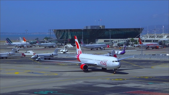 aeroport-nice-rouge