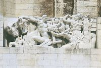 nice-bas-relief-monument-aux-morts